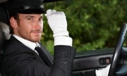 机动车驾驶人造成事故后逃逸构成犯罪的,吊销驾驶证且多长时间不得重新取得驾驶证?